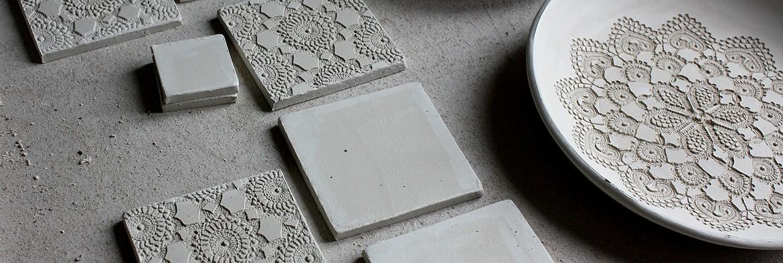 Ręcznie robione koronkowe kafle i dekory