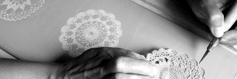 Ręcznie robione koniakowskie kafle i dekory
